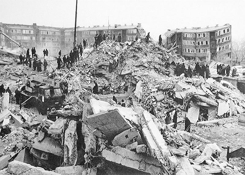 землетрясение-в-Армении-какойденьсегодня.рф